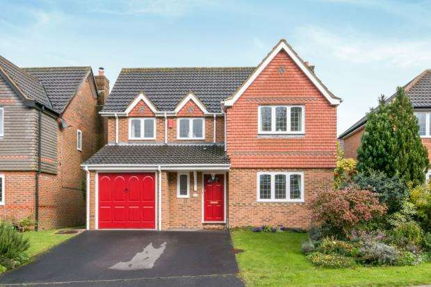 4 Bedrooms Detached House for sale in Chineham, Basingstoke, Hampshire