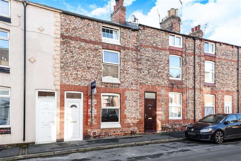 3 Bedrooms Terraced House for sale in Vyner Street, Ripon, HG4 1QJ