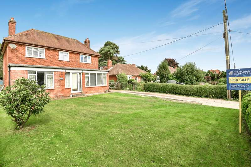 4 Bedrooms Detached House for sale in Bramley Road, Pamber End, Tadley, RG26