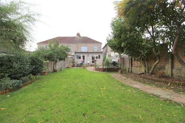 4 Bedrooms Semi Detached House for sale in Stanwell Road, Ashford, Middlesex