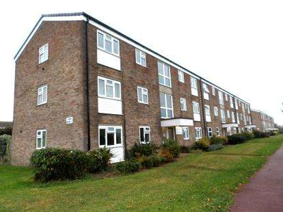 1 Bedroom Flat for sale in Shoeburyness, Southend-On-Sea, Essex