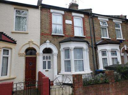 3 Bedrooms Terraced House for sale in Junction Road, Lower Edmonton, London