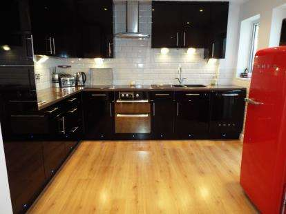 4 Bedrooms Semi Detached House for sale in Springhill Road, Grendon Underwood, Aylesbury