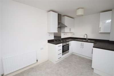 2 Bedrooms House for rent in Warwick Court, Blackburn
