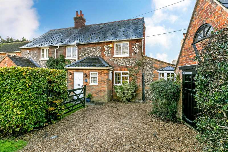 4 Bedrooms Semi Detached House for sale in Wetherby Cottages, Moor Common, Lane End, High Wycombe, HP14