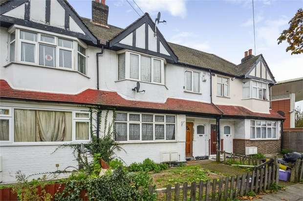 2 Bedrooms Maisonette Flat for sale in Eastfields Road, Mitcham, Surrey