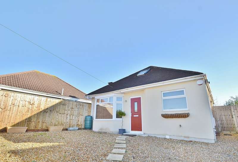 4 Bedrooms Bungalow for sale in Wallisdown
