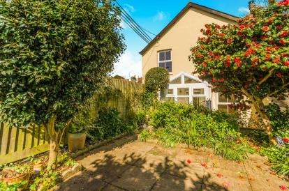 3 Bedrooms Detached House for sale in Gulval, Penzance, Cornwall