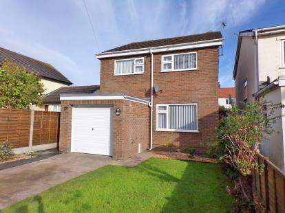 3 Bedrooms Detached House for sale in Hall Road, Penrhyn Bay, Conwy, LL30
