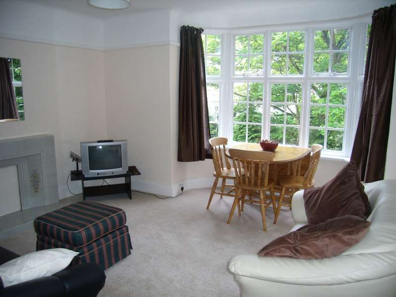 4 Bedrooms Flat for rent in Bournemouth