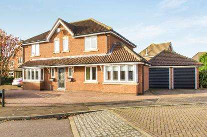 4 Bedrooms Detached House for sale in Lingmoor, Stukeley Meadows, Huntingdon, Cambs