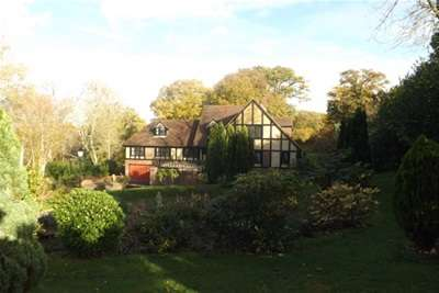 5 Bedrooms House for rent in ETCHINGHAM