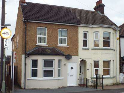 4 Bedrooms Semi Detached House for sale in Houghton Road, Houghton Regis, Dunstable, Bedfordshire