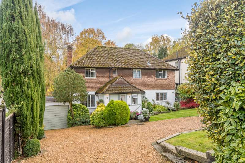4 Bedrooms Detached House for sale in Wyatts Road, Chorleywood, Rickmansworth