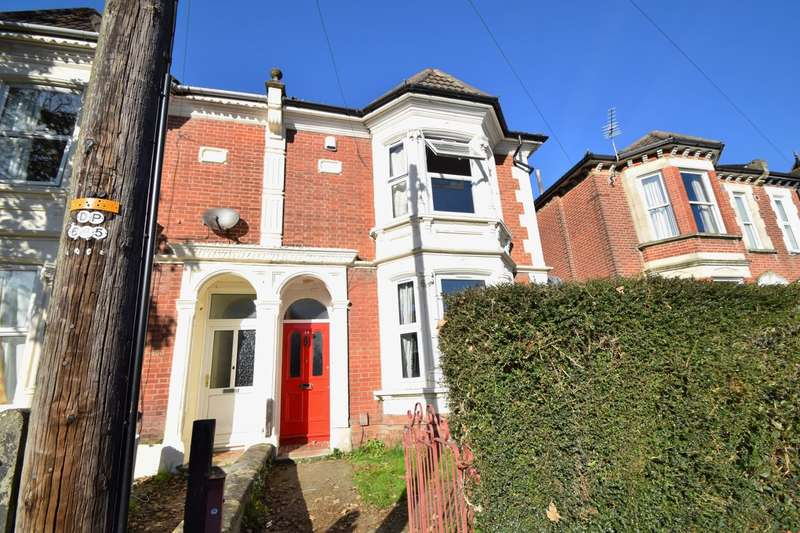 7 Bedrooms House for rent in Portswood