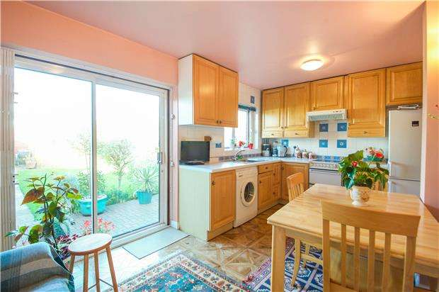 3 Bedrooms Terraced House for sale in Girton Avenue, KINGSBURY, NW9 9TH