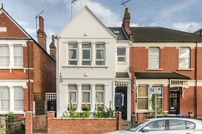 4 Bedrooms Maisonette Flat for sale in Olive Road, Cricklewood, NW2