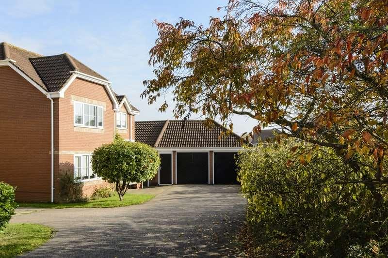 5 Bedrooms Detached House for sale in Tassel Road, Bury St. Edmunds, Suffolk, IP32