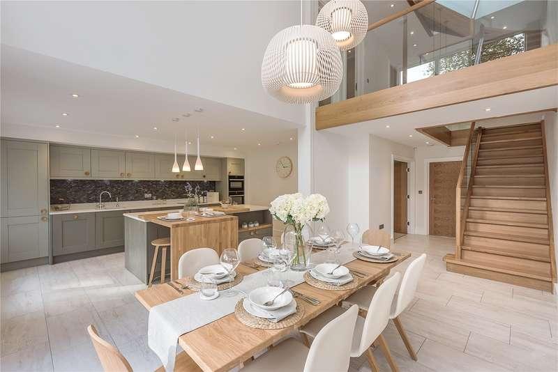 5 Bedrooms Detached House for sale in Autumn End, Grange Gardens, Farnham Common, Buckinghamshire, SL2