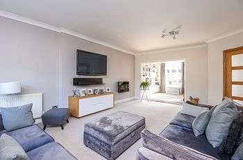 4 Bedrooms Semi Detached House for sale in Ingleby Way, Chislehurst, Kent, BR7 6DD
