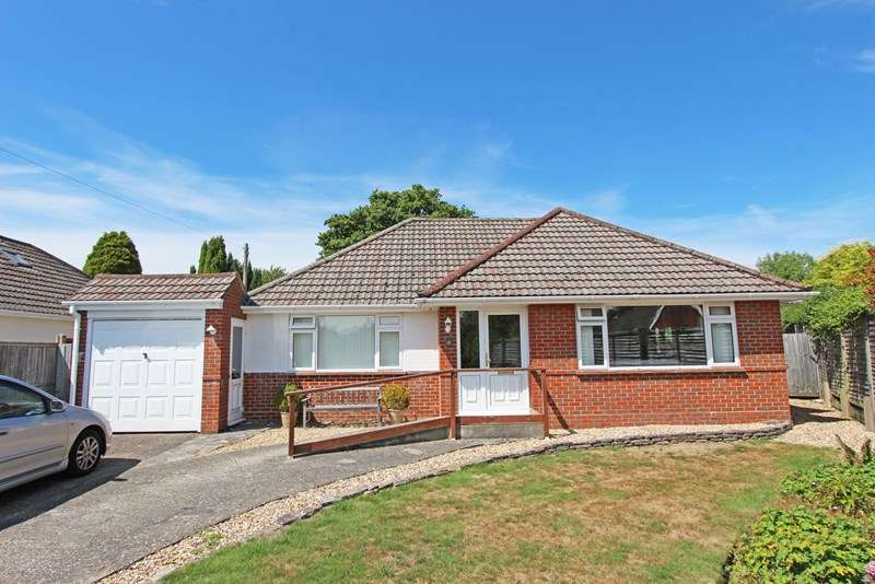 3 Bedrooms Chalet House for sale in Normandy Close, Sway, Lymington