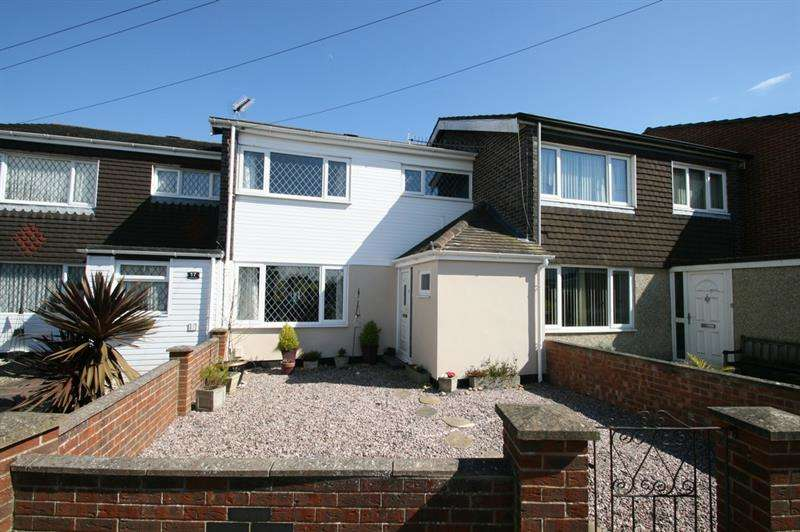 3 Bedrooms Terraced House for sale in Flexford Gardens, Havant