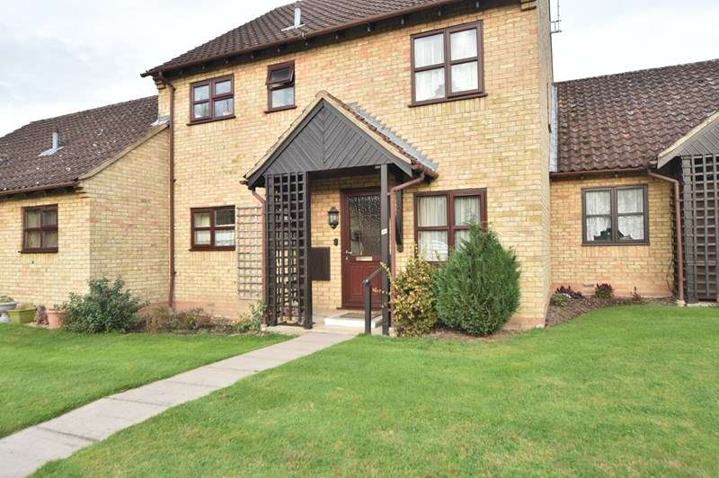 2 Bedrooms Flat for sale in Ship Gardens, Mildenhall, Bury St. Edmunds