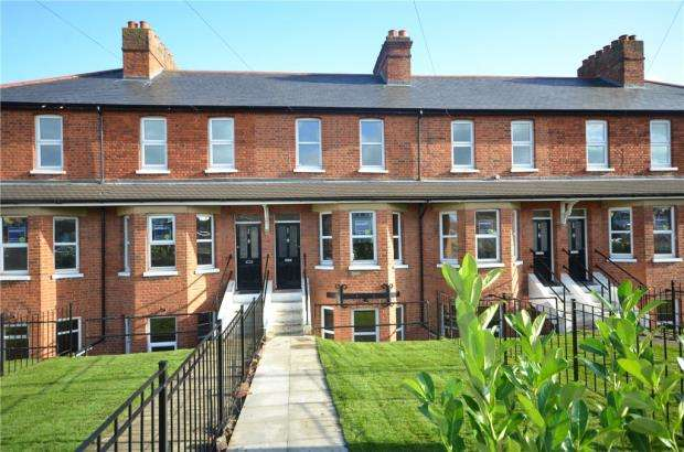 3 Bedrooms Terraced House for sale in Furze Platt Road, Maidenhead, Berkshire