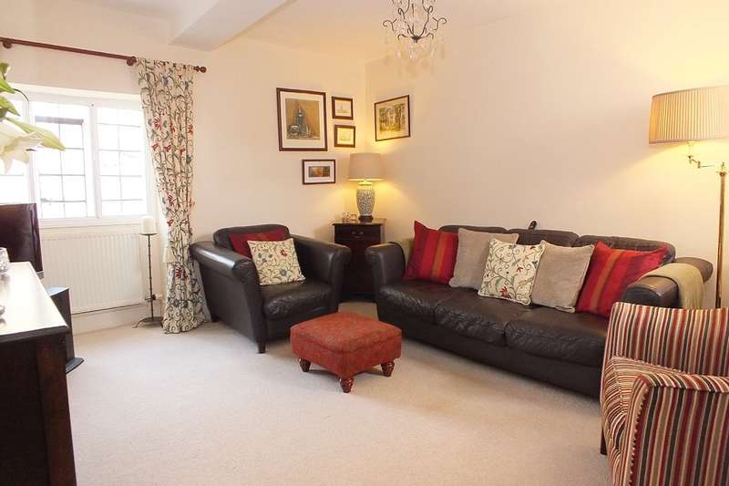 2 Bedrooms Flat for sale in Tetbury