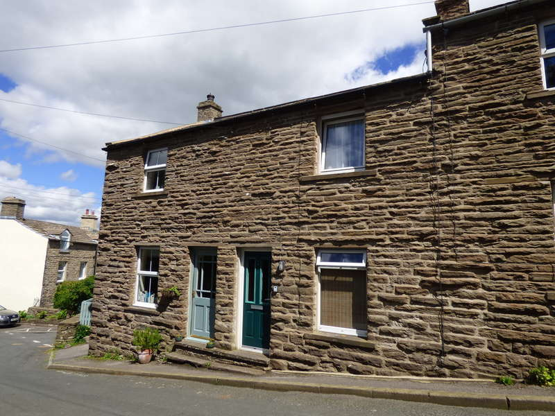 2 Bedrooms Terraced House for sale in 2 Middlegate, Burtersett
