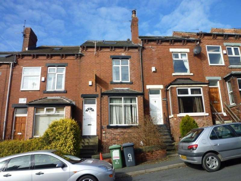 4 Bedrooms Terraced House for rent in Wetherby Grove, Burley, LEEDS