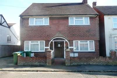 Studio Flat for rent in Close to town centre