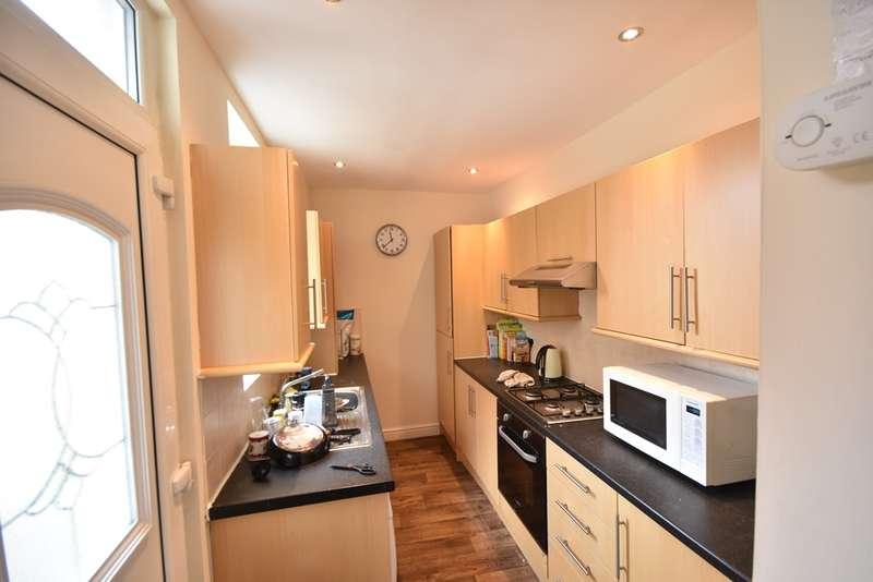 2 Bedrooms Flat for rent in Simonside Terrace, Heaton