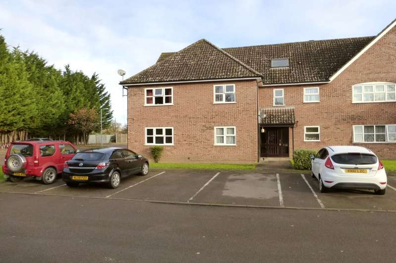 1 Bedroom Flat for sale in Russet Close, Stewartby, Bedford, MK43