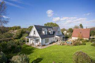 4 Bedrooms Equestrian Facility Character Property for sale in Vines Cross, Heathfield, East Sussex