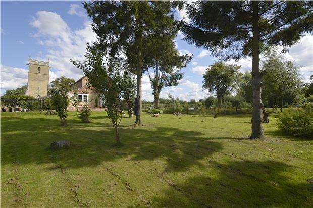 3 Bedrooms Detached House for sale in Church Road, Tirley, Gloucestershire, GL19 4HH
