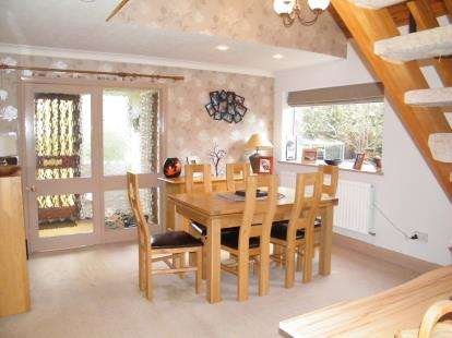 3 Bedrooms End Of Terrace House for sale in Long Acre, Delamere Park, Cheshire, England