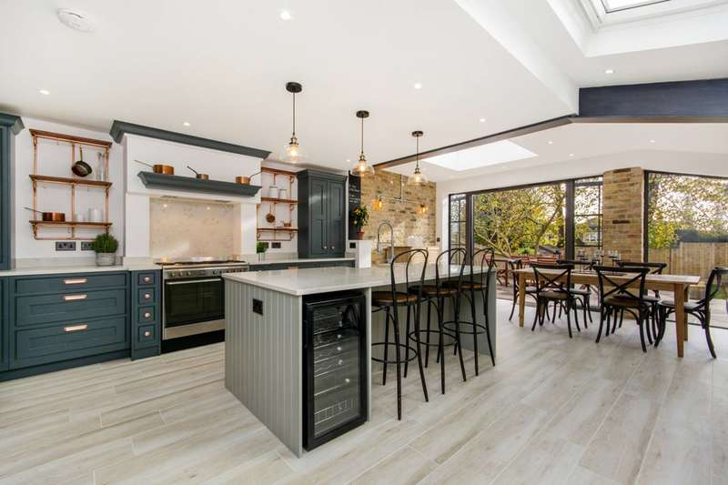 4 Bedrooms House for sale in St Julians Farm Road, West Norwood, SE27