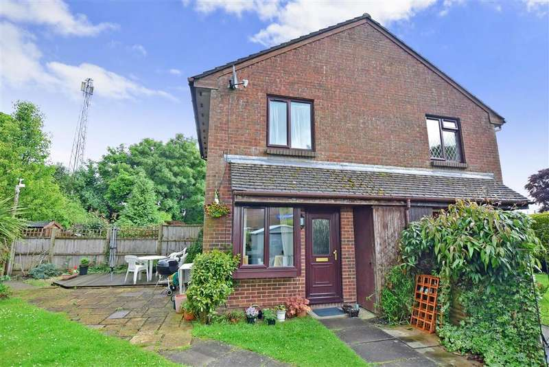 1 Bedroom End Of Terrace House for sale in Drum Mead, Petersfield, Hampshire