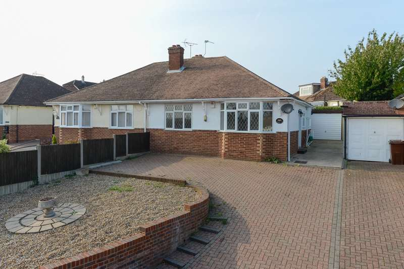 2 Bedrooms Bungalow for sale in Weavering Street, Weavering, Maidstone, ME14