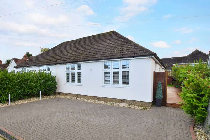 2 Bedrooms Bungalow for sale in Oxford Avenue, Burnham, SL1