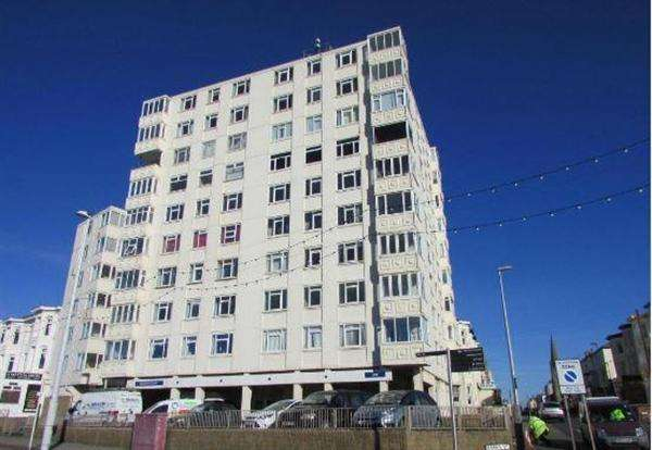 2 Bedrooms Apartment Flat for sale in Promenade, Blackpool