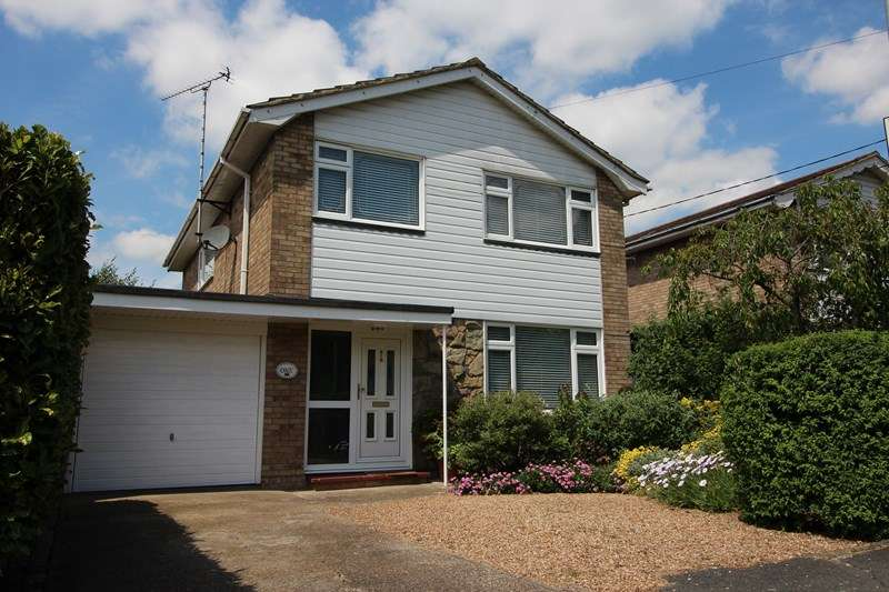 3 Bedrooms Detached House for sale in Borrowdale Road, Benfleet