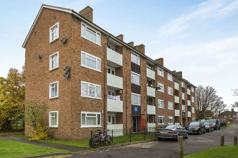 2 Bedrooms Flat for sale in South Lane, New Malden, KT3