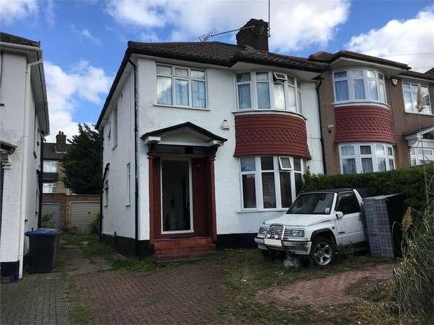3 Bedrooms Semi Detached House for sale in Nettleden Avenue, Wembley, Middlesex
