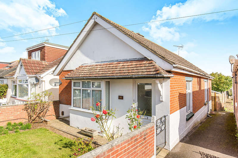 2 Bedrooms Detached Bungalow for sale in Lansdowne Avenue, Waterlooville, PO7