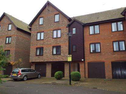 2 Bedrooms Flat for sale in Paige Stair Lane, Kings Lynn, Norfolk