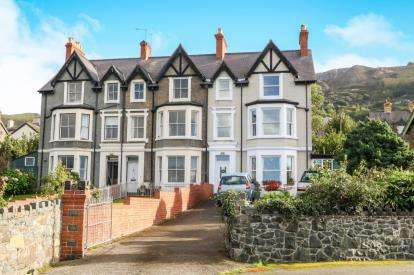 6 Bedrooms End Of Terrace House for sale in Esplanade, Penmaenmawr, Conwy, LL34