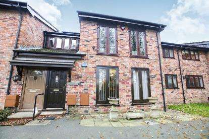 2 Bedrooms Flat for sale in Garth Heights, Wilmslow, Cheshire, .