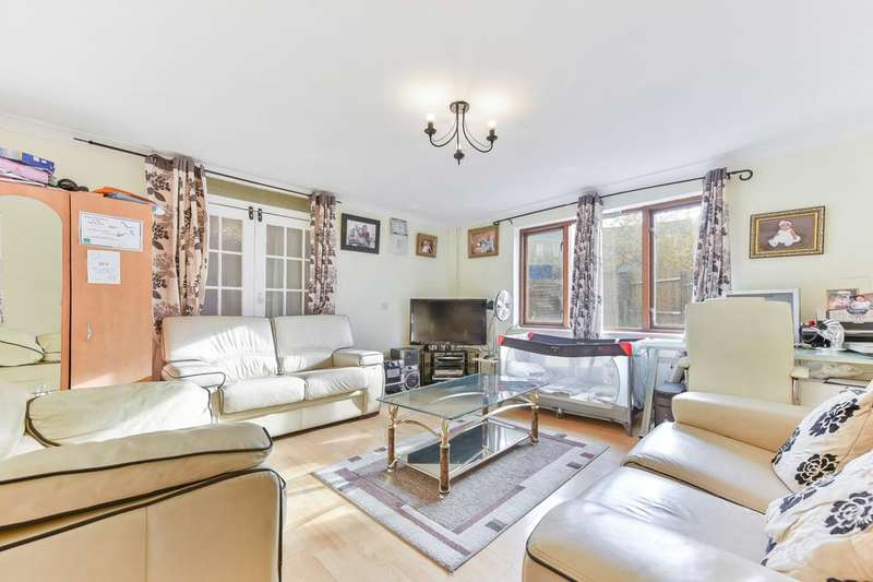 2 Bedrooms House for sale in Monument Gardens, London SE13